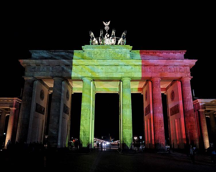 Brandenburg_Gate_lit_up_in_Belgian_flag_colors_to_show_solidarity